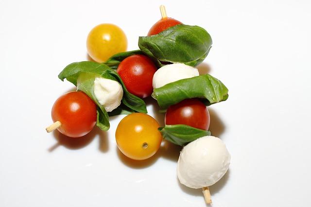 catering-vorspeise-tomate-mozzarella-pizzeria-michelangelo-bielefeld